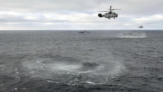 Русия ограничава военни кораби около Крим, няма да затваря Керченския проток