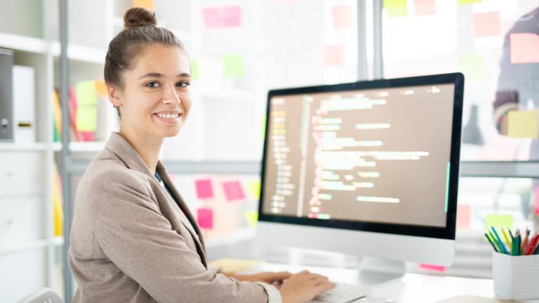 Apple пуска безплатни курсове по програмиране