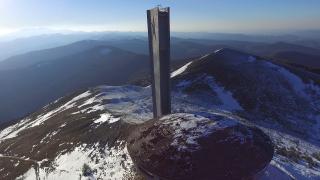 Борисов обеща да се погрижи за паметника на Бузлуджа