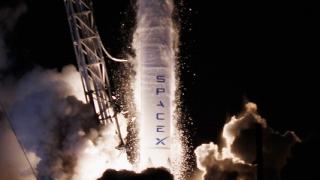 Спирането на работа на правителството в САЩ блокира тестове на SpaceX