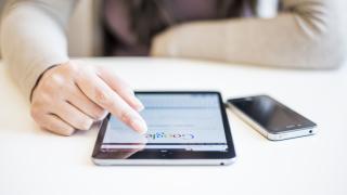 ЕС иска Google и Facebook да плащат на издателите за използване на съдържанието им