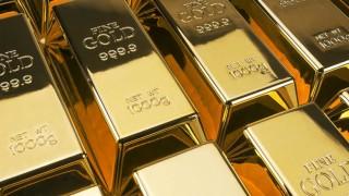 Златото е стабилно в очакване речта на шефа на Фед