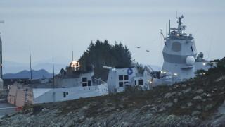 8 души са ранени при сблъсък на танкер и фрегата в Норвегия