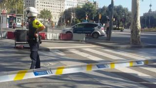 Полицията в Барселона затвори жп линии и изпрати екип сапьори