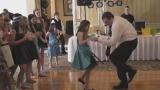 Майк Ханли в ритъма на танца! (ВИДЕО)