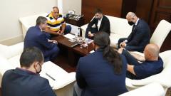 Борисов се срещна с хотелиери и ресторантьори, които плашат с протест