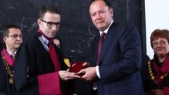 420 юристи получиха дипломите си в СУ
