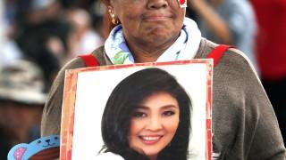 Искат арест за бивш премиер на Тайланд, тя бяга в Дубай