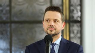 Кметът на Варшава е новият кандидат на опозицията за президент на Полша