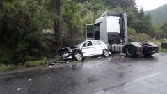 Камион, микробус и автобус се удариха на пътя Русе-Бяла