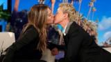 Дженифър Анистън, Елън Дедженеръс и целувката им и The Ellen Show