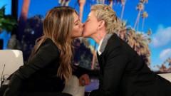 Целувката на Джен и Елън