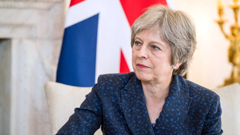 Тереза Мей в конфликт със свои министри за границата с Ирландия