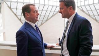 Медведев препоръчва на дипломат на САЩ да си прочете учебниците