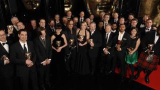 """""""Беднякът милионер"""" триумфира на наградите БАФТА"""
