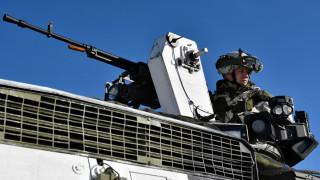 На ледената граница между Норвегия и Русия, САЩ се учат да воюват в студ