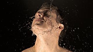 Колко и какви течности трябва да пием?
