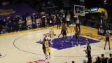 Феноменален кош на Краля прати ЛА Лейкърс в плейофите на НБА