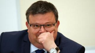 Цацаров: Иванчева трябваше да присъства на действията по разследването