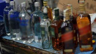 СДВР разкри нелегален цех за високоградусов фалшив алкохол