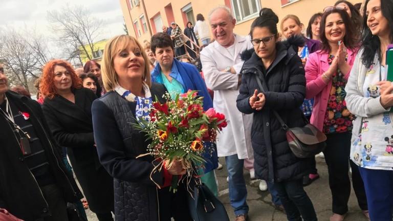 Омбудсманът иска над 900 лв. заплата за медицинските сестри
