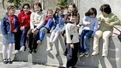 50% от семействата с първокласник кандидатстват за еднократната помощ