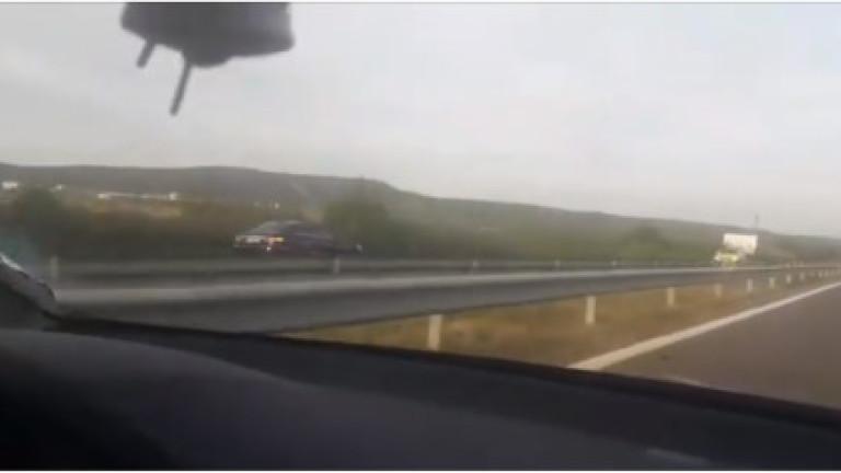 """Заснеха автомобил със 120 км/ч в насрещното на АМ """"Хемус"""""""