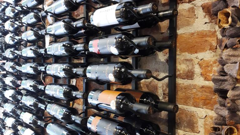 Сух режим v 2.0: Как ще се отразят митата върху европейското вино на търговците в САЩ