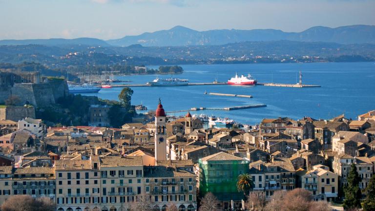 """Гърция се изправя срещу Испания и Португалия в """"борбата"""" за германските туристи"""