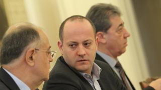"""С кадрова търговия управляват сектор """"Сигурност"""", критикуват от ДСБ"""