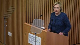 Хилари Клинтън заклейми подкрепата на торите на Мей за Виктор Орбан