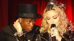 Синът на Мадона дефилира с рокля