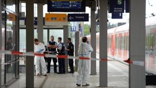 Един убит и няколко ранени при нападение с нож на жп гара до Мюнхен