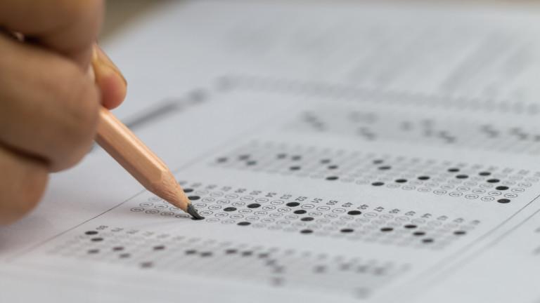 Приемът на студенти само с оценки от матурите нямало да понижи качеството на образованието
