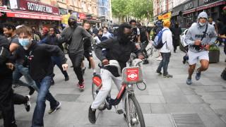 """Стотици казаха """"не"""" на извънредните правомощия на полицията във Великобритания"""