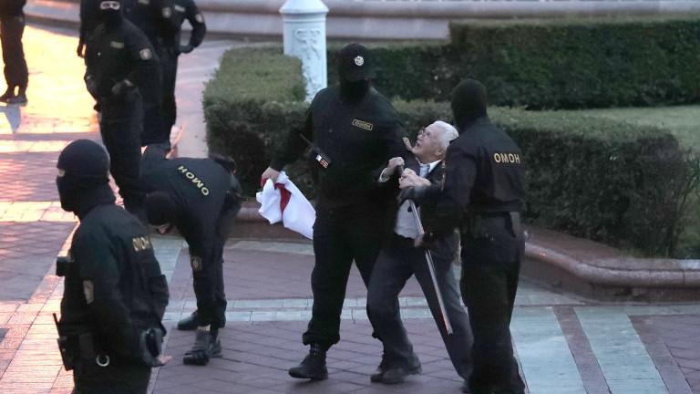 Спецчасти разпръснаха протеста в Минск