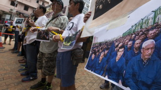 Губернаторът на Синцзян определя живота на уйгурите в лагерите като по-пъстър
