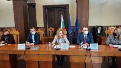 Туристическият бранш в Бургас иска силна рекламна кампания от Николова