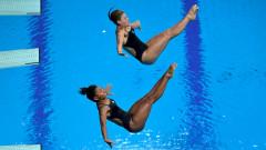 Шъ Тинмао и Чан Яни спечелиха синхронните скокове от трамплин при дамите