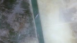 1 млрд. долара са щетите от блокирането на Суецкия канал
