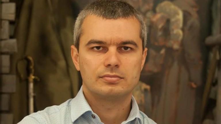 Кой се страхува от Възраждане и защо беше поискан затвор за Костадин Костадинов?