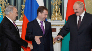 Евразийският съюз избягва проблемите на еврозоната