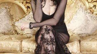 Софи Маринова се страхува за гърдите си
