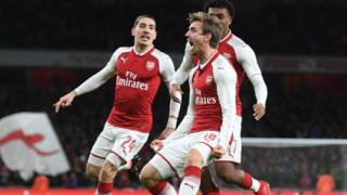 Арсенал се раздели с дългогодишен защитник