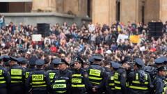 В Грузия протестиращи поискаха оставките на премиера и вътрешния министър