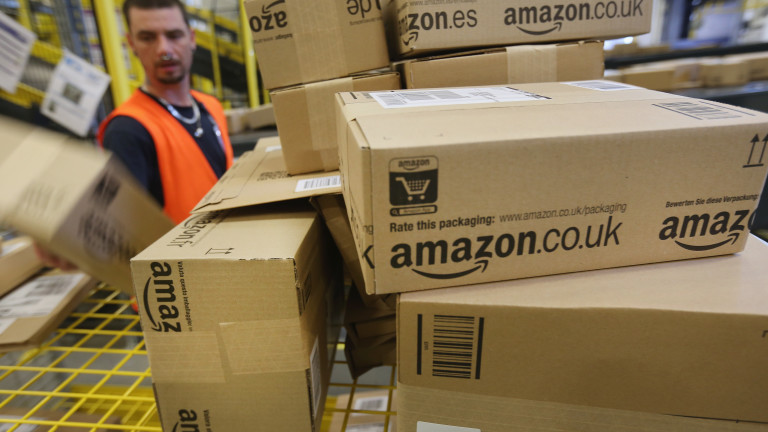 Amazon назначава 100 000 нови служители