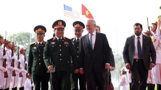 За първи път от 1975 г. САЩ изпращат самолетоносач във Виетнам