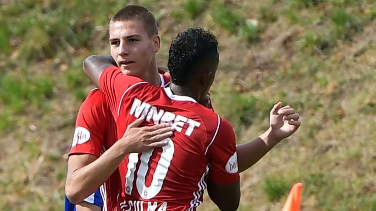 Футболистът на ЦСКА Валентин Антов официално е студент в НСА.