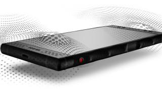 Първият телефон с холограмен дисплей