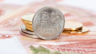Санкциите на САЩ сринаха руската рубла до нивото от ноември 2016 г.